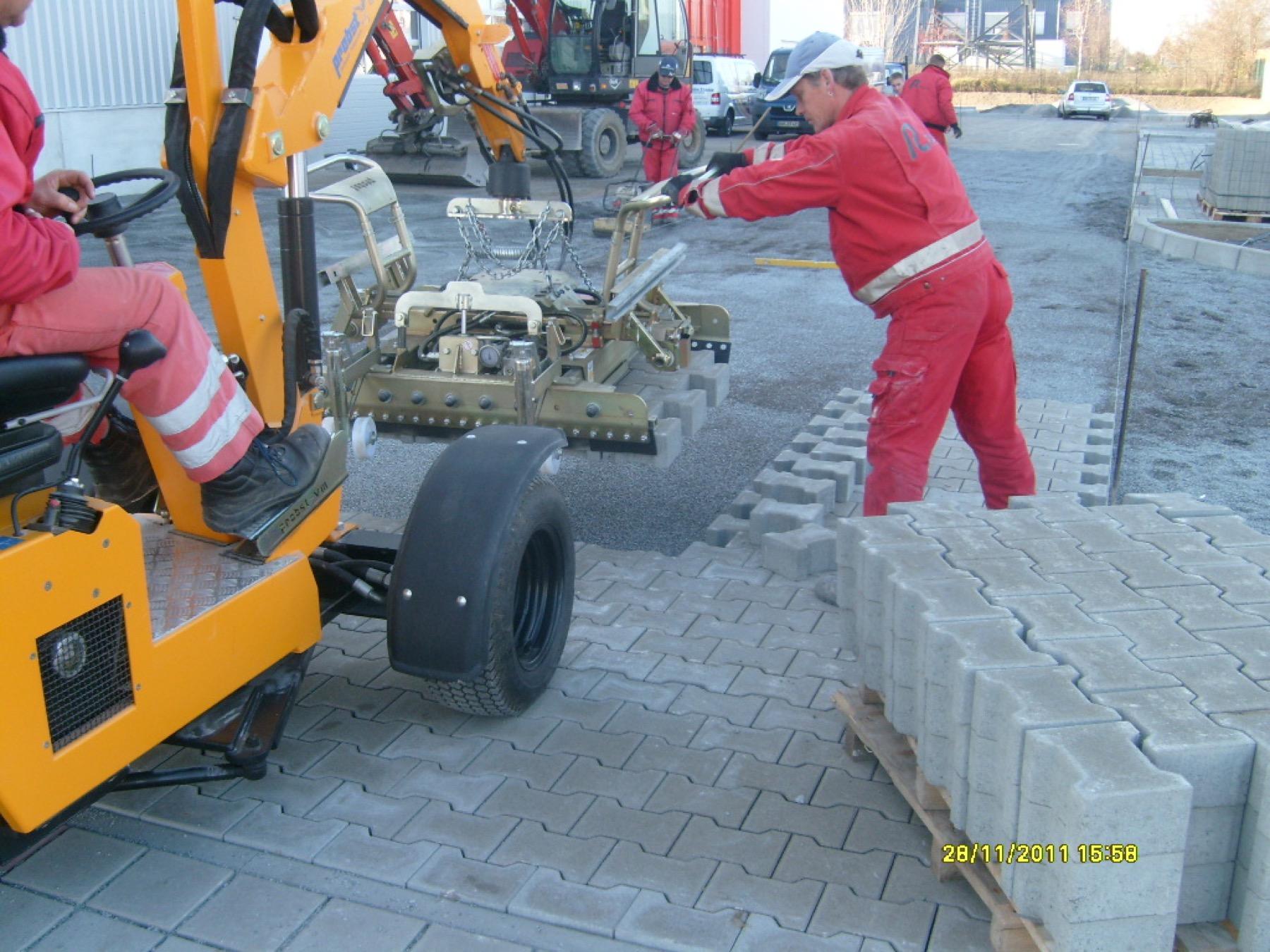 Betriebsgelände Fahrzeugteile Winkler Hoppegarten
